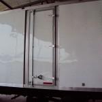 Puerta lateral: Cada caja seca o refrigerada puede contar con más puertas laterales de acuerdo a las necesidades del cliente.